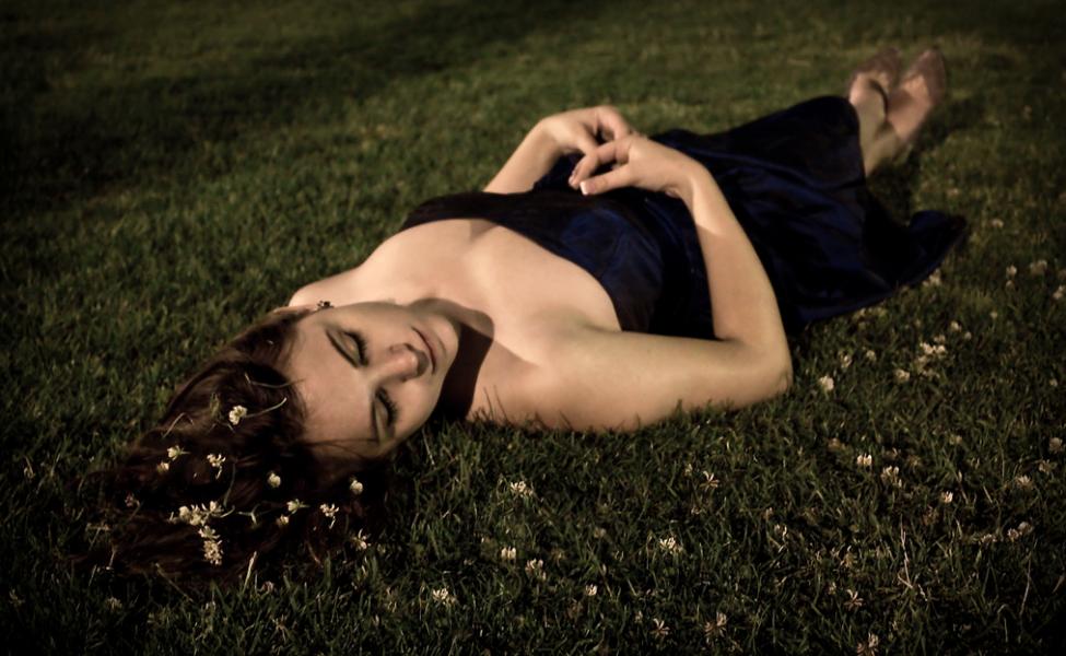 寝起きの動悸の原因と7つの対処方法