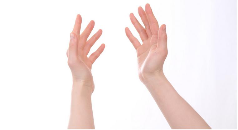 手汗がすごい人の原因と7つの対処方法